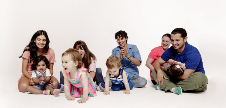 4 Families with children making music together
